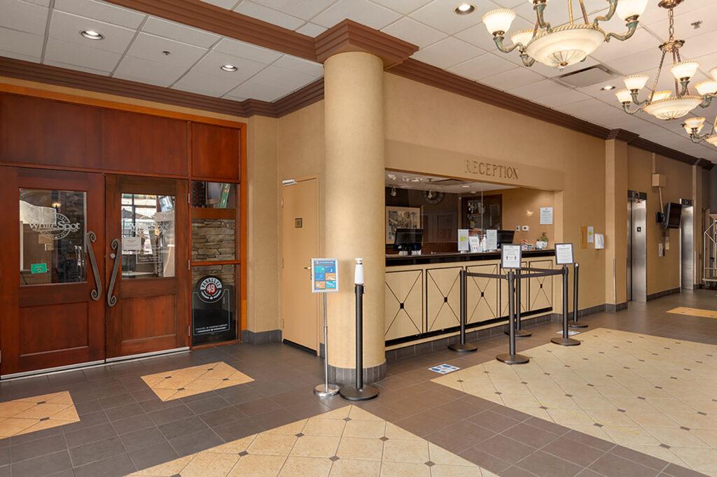 24 hour front desk reception concierge management services at Downtown Vancouver GEC Granville Suites long term extended stays hotel